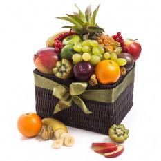 Exotischer saisonaler Obstkorb