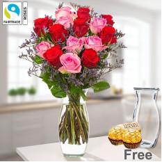 Bündel von 15 Rosen mit Limonium mit Vase