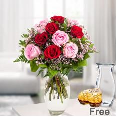 Rosebouquet Harmonie mit Vase & 2 Ferrero Rocher