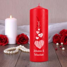 Rote Kerze für Liebhaber mit Namen und Herzen