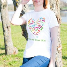 T-Shirt für Muttertag mit einem Herzen der Namen der Kinder
