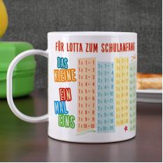 Bruchsicherer Pokal zum Schulanfang mit Einmaleins und Wunschtext